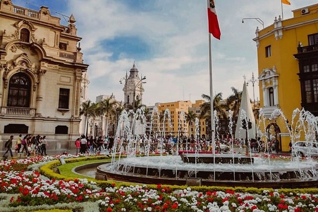 close to plaza mayor in lima